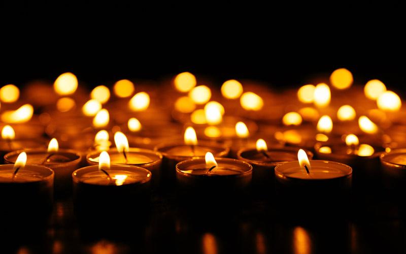 Photographie de bougies. Crédits : Freepik